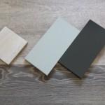 Vinylbelag sowie Muster der Treppenstufen und Küchenfront