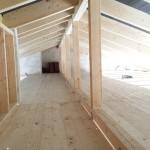 Lauf- und Ablagefläche im Dachboden